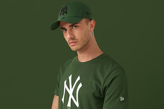 New York Yankees Green T-Shirt and 9FORTY Cap