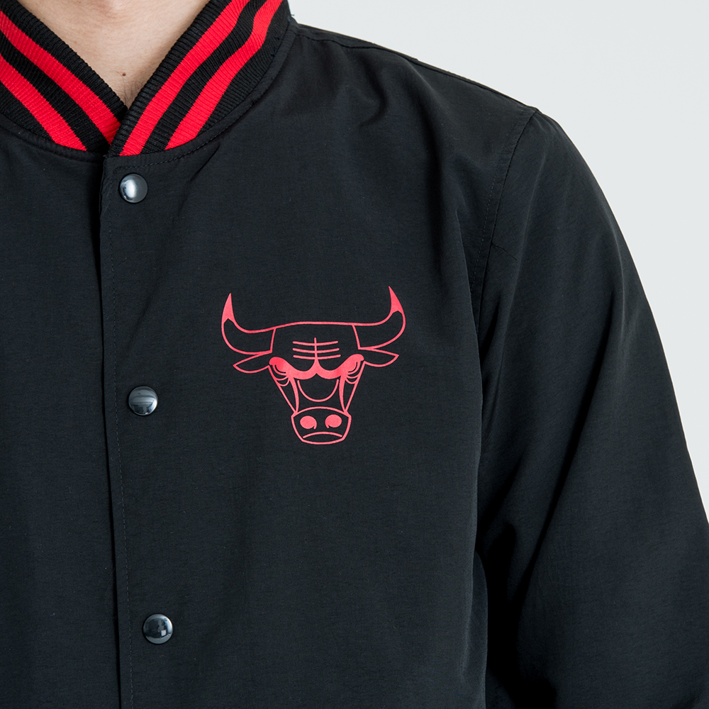133a38c456b37 Chicago Bulls Pop Logo Varsity Jacket