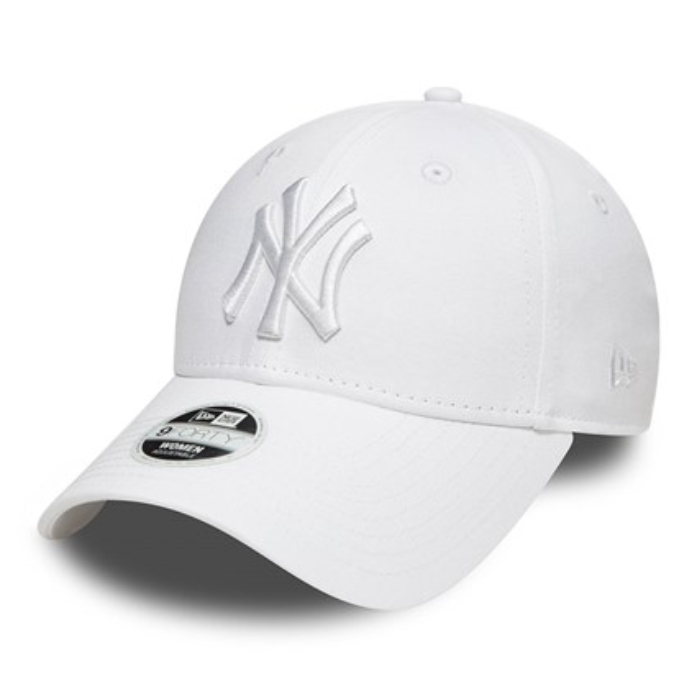 e54a7b29da271 New York Yankees Essential White on White Womens 9FORTY