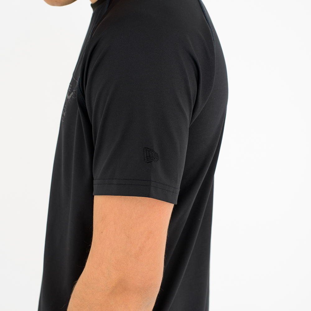 Chicago Bulls Engineered Fit Black Tee  6ed2760218b