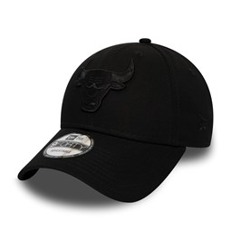Chicago Bulls Black on Black 9FORTY Snapback
