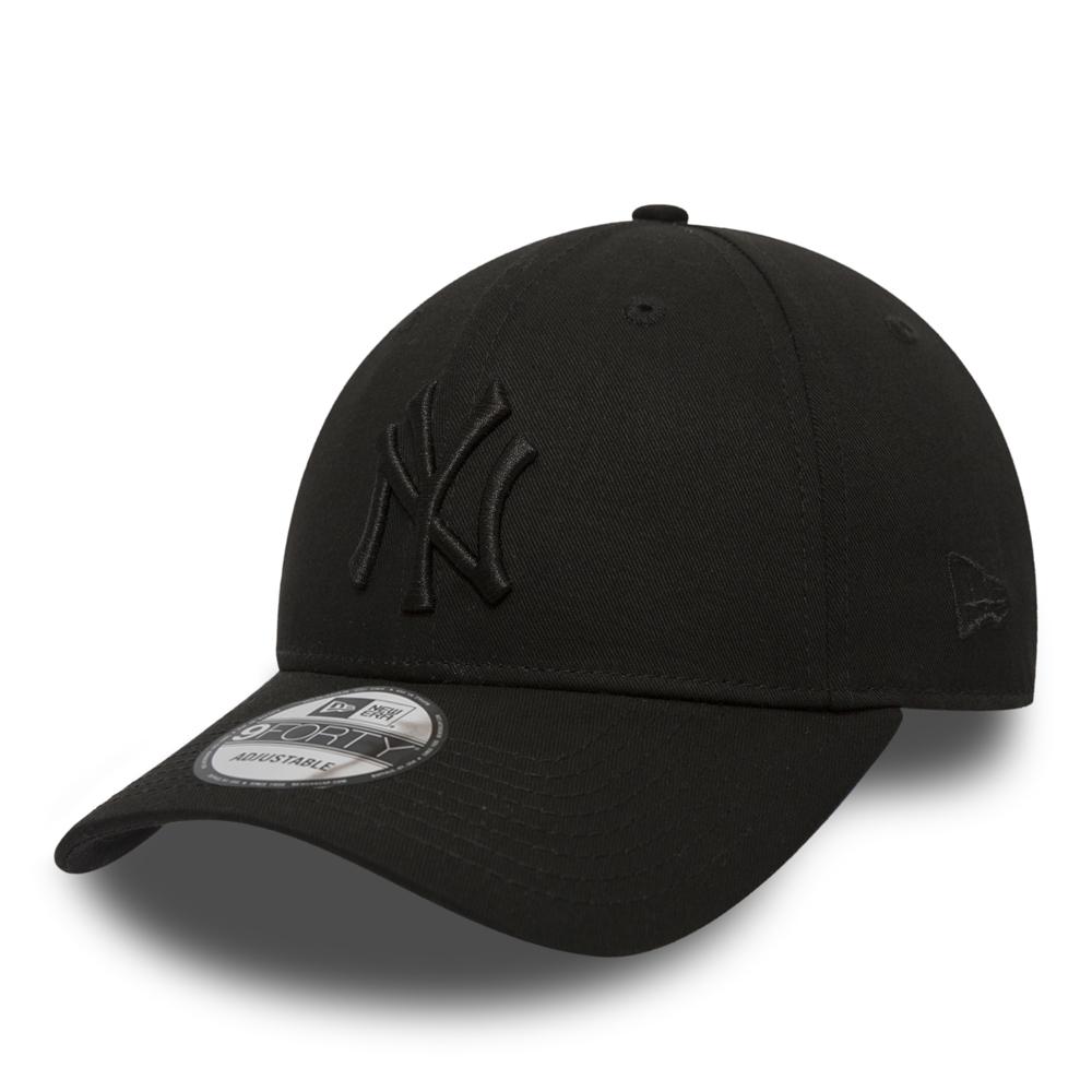 NY Yankees Essential Black on Black 9FORTY  aeb74b32181