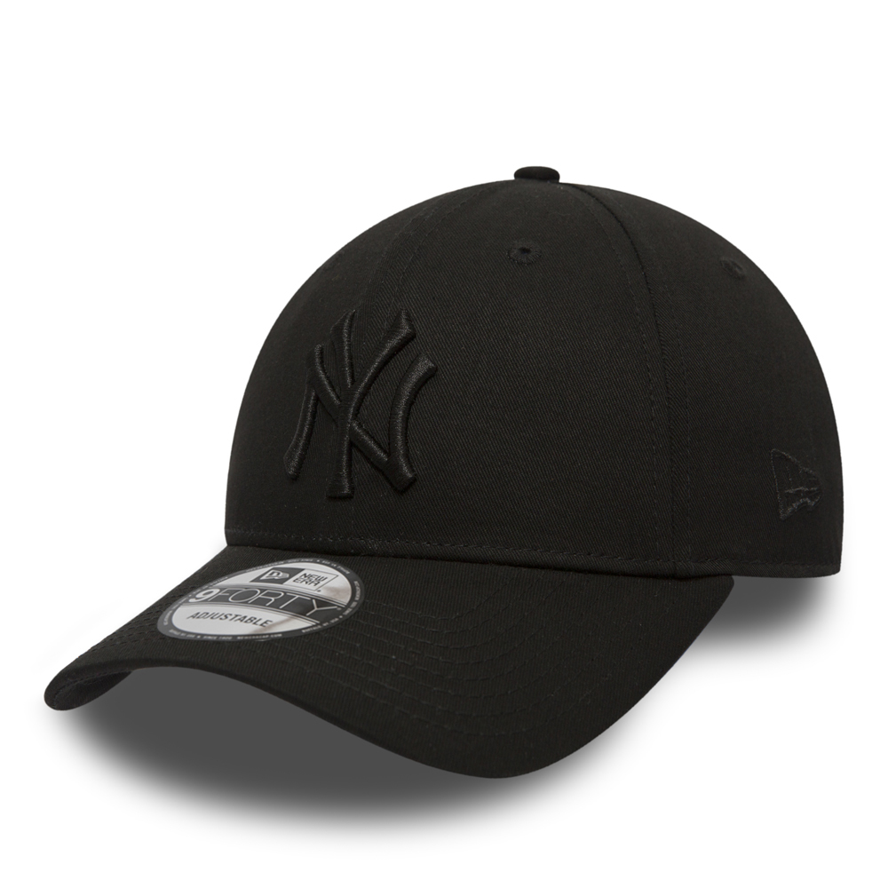 NY Yankees Essential Black on Black 9FORTY  f51304f0393