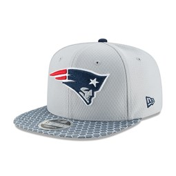 New England Patriots 2017 Sideline OF 9FIFTY Silver Snapback